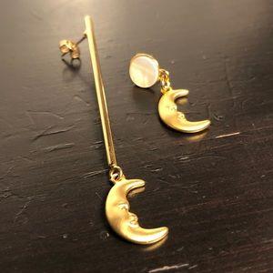 Simons Gold Moon Asymmetrical stud earrings